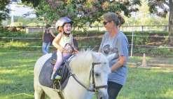 Le baby-poney fait le bonheur des tout petits