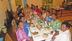 Les femmes du marché fêtent les mamans
