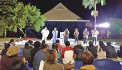 Les lycéens s'ouvrent au théâtre de Gope