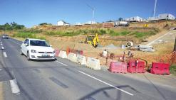 Le lotissement des Roches grises sort de terre et empiète sur la route
