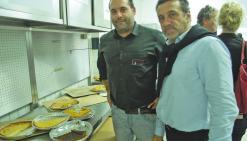 Nouméa, vendredi 8 juillet. Matthieu Marcellier (à gauche) et Philippe Bonnet lors de la visite guidée des locaux du Groupe Gourmand à Normandie.
