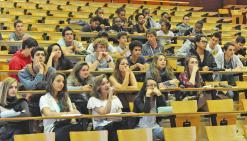 Les lycéens prennent  possession des bancs de la fac