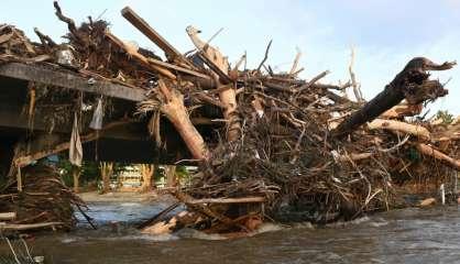 Merkel au chevet des victimes des inondations meurtrières en Europe