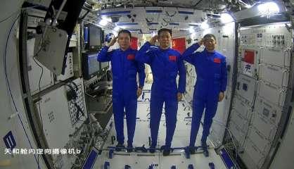 Chine: première sortie dans l'espace de deux astronautes à la station Tiangong