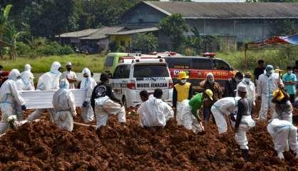 Covid: nouveau record de décès en Indonésie, vers un état d'urgence à Tokyo