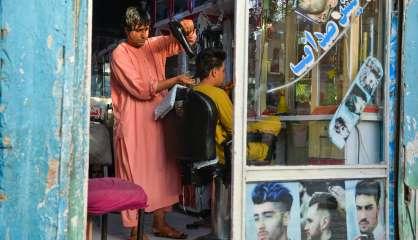 Afghanistan: coiffeur, profession en péril sous les talibans