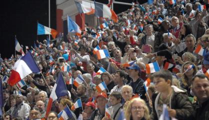 Des milliers de participants au meeting de clôture des Loyalistes