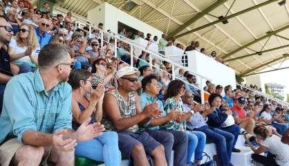 Les salariés de Vale mobilisés à l'hippodrome de Nouméa