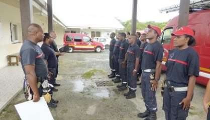 Les pompiers rendent hommage à Elodie Mapéri