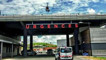 L'hélicoptère du Samu en intervention au bord de la RT1 à Païta