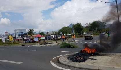 Barrages, mobilisations, pénurie de carburant,réactions politiques : le pointsur la situation