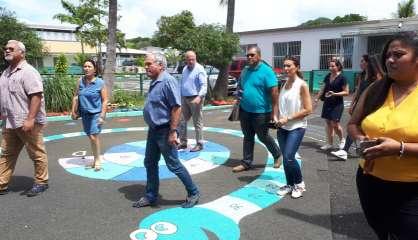 Le maire de Dumbéa visite les centres de vacances et de loisirs
