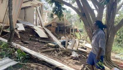 [VIDÉO] Cyclone Niran: dégâts et frayeur dans les squats de Nouville