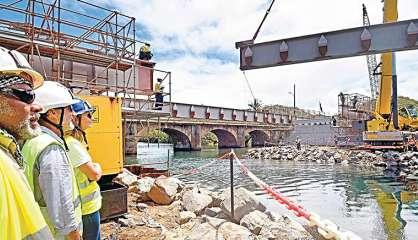 Dumbéa : Le vieux pont du parc Fayard fermé