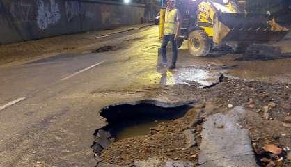 Rupture d'une canalisation : la circulation interdite derrière la caserne Gally Passebosc à Nouméa
