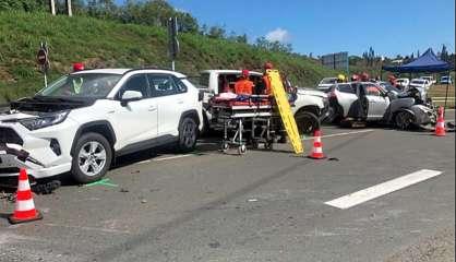 Kenu-In: accident entre trois véhicules, quatre blessés et la circulation bloquée dans les deux sens
