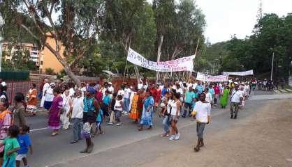 Une marche silencieuse contre la violence à Montravel