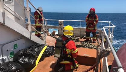 [VIDÉO]Simulation d'incendie sur le Vale Grand Sud pour l'exercice Orsec maritime