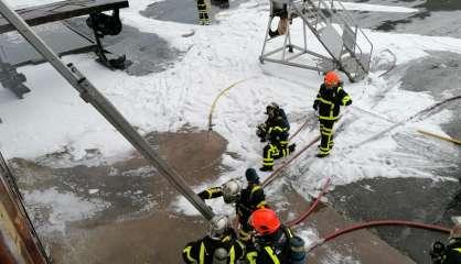 Exercice crash et recherche de victimes pour les pompiers de La Tontouta