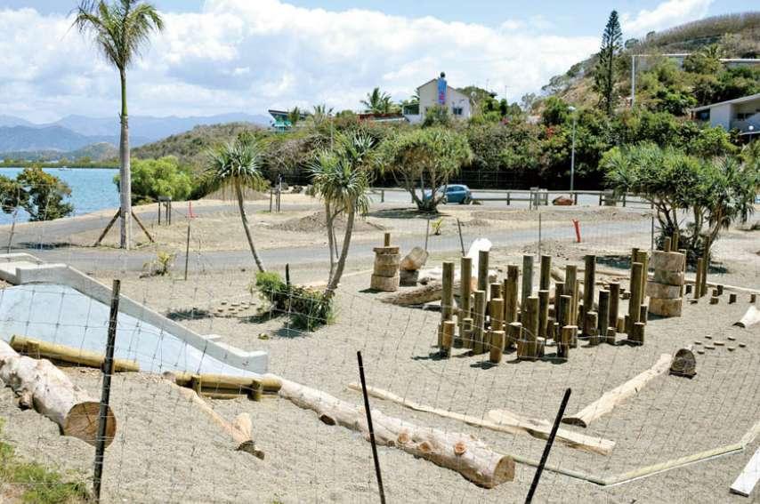 L'espace de jeux 6/12 ans se trouve à côté de la mise à l'eau. « Le projet a été présenté en conseil de secteur, précise Jean Brudi, directeur de l'espace public à la mairie. Le parc de jeux a été positionné à cet endroit à la demande des habitants. » Pho
