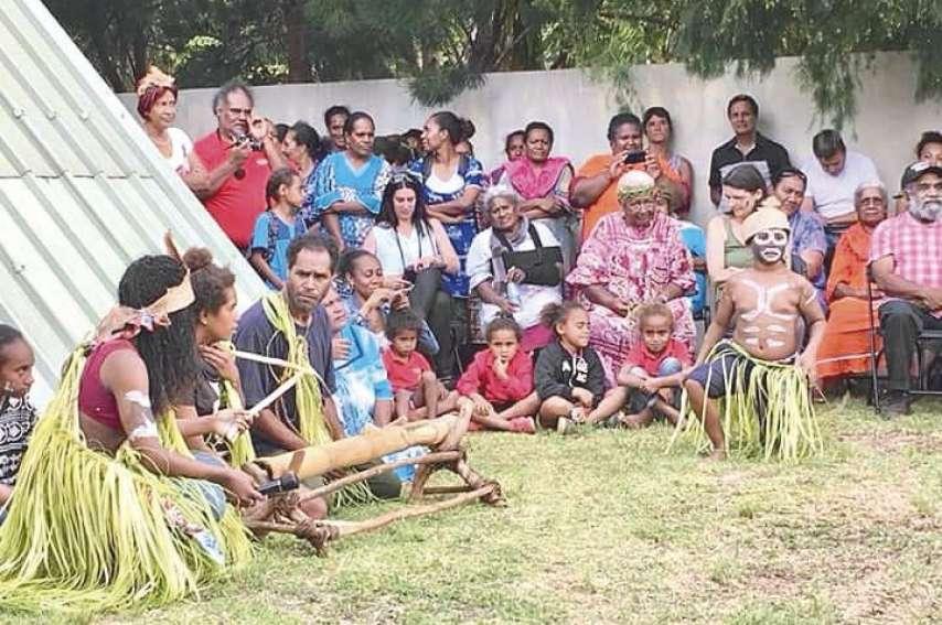 A l'occasion du vernissage de « Nyî Mwâ », les élèves ont procédé à plusieurs représentations devant un public nombreux.