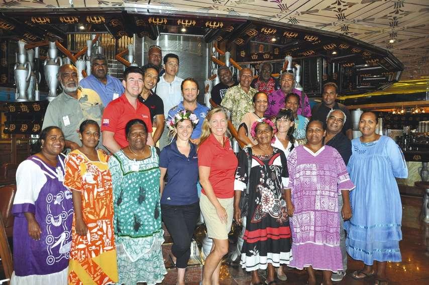 C'est à bord du Carnival Legend que la réunion s'est tenue en baie de Tadine. Une rencontre « séduction » pour la compagnie qui espère l'ouverture de Patho pour désengorger Yedjele et faire escale avec son prochain paquebot de 3 800 passagers.