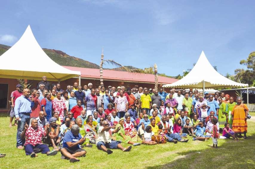 Les diacres de l'Église protestante de Kanaky Nouvelle-Calédonie sont accompagnés de leurs familles.
