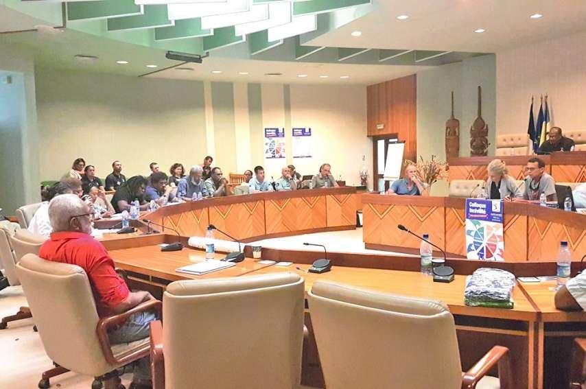 Les participants étaient réunis lundi dans la salle de l\'hémicycle de l'hôtel de la province Nord à l'occasion de ce colloque.