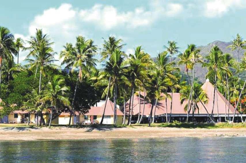 Le requin-tigre a été aperçu pendant plusieurs jours le long du récif de terre aux abords  de l'hôtel Koulnoué.Photo Archives
