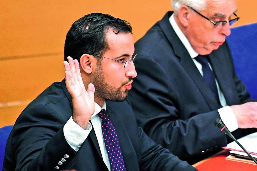 Alexandre Benalla prêtant serment devant la commission du Sénat. Une audition approuvée par 76 % des Français selon un sondage Ifop pour la chaîne parlementaire Public Sénat.Photo AFP