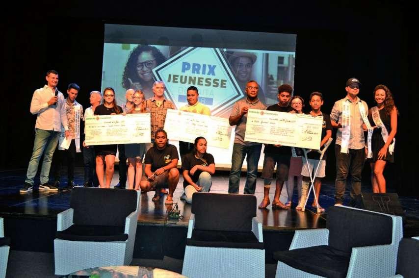Des chèques de 100 000, 60 000 et 40 000 francs ont été remis aux trois projets primés.Photos : A.P