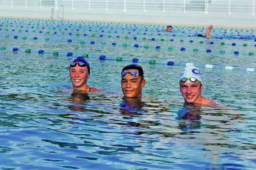 De gauche à droite, Maïana Flament, Hugo Savignac et Ludovic Delabre à l'entraînement quelques jours avant leur départ, au Centre Aquatique Régional de Dumbéa Guy-Verlaguet.Photo T.M.