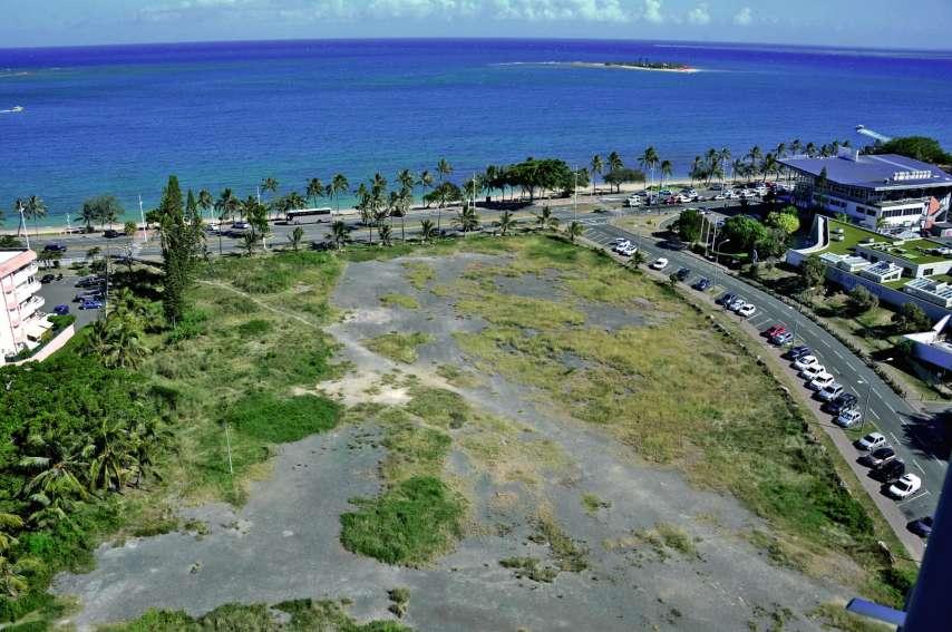 Ce projet, conçu par le cabinet C.A.W, et porté par la société Blue Horizon, sera situé sur un terrain de 1,4 hectare en bord de plage. Photo Thierry Perron