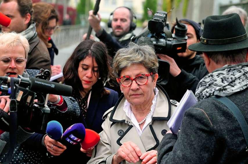 La décision de la cour est une « très grande victoire » pour ses parents (ici sa mère) mais  du « sadisme pur » pour son neveu (médaillon). Photos FRANCOIS NASCIMBENI/AFP
