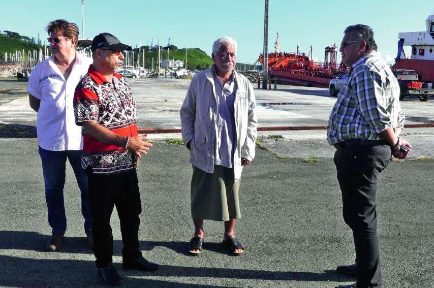 C'est en présence d'une délégation de Wallis-et-Futuna que Gilbert Tyuienon (chemise rouge) a présenté le projet. Photo S.B