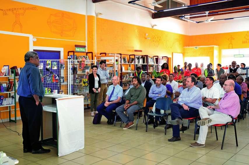 Plusieurs personnalités, dont le président de province Jacques Lalié, ont salué cette nouvelle ère numérique. Photos M.G.