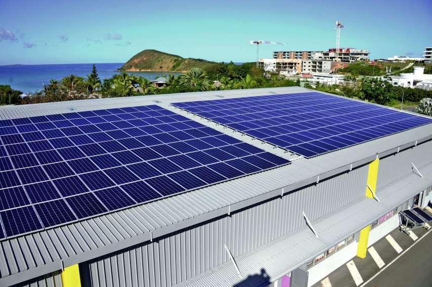 Les panneaux installés en début d'année sur le toit du CFA de Nouville permettent de s'approcher de l'autosuffisance. Photo Thierry Perron