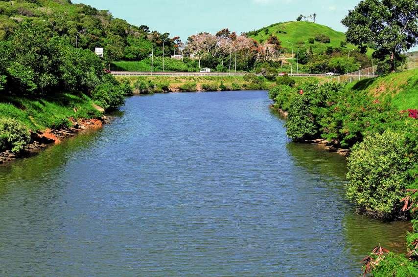 Le corps d'un homme d'une quarantaine d'années a été retrouvé samedi dans l'arroyo qui longe Ko We Kara, à Nouméa. Photo S.M