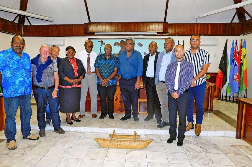 Dans l'hémicycle de la province, les deux parties ont présenté leurs projets respectifs.Photos H.H.