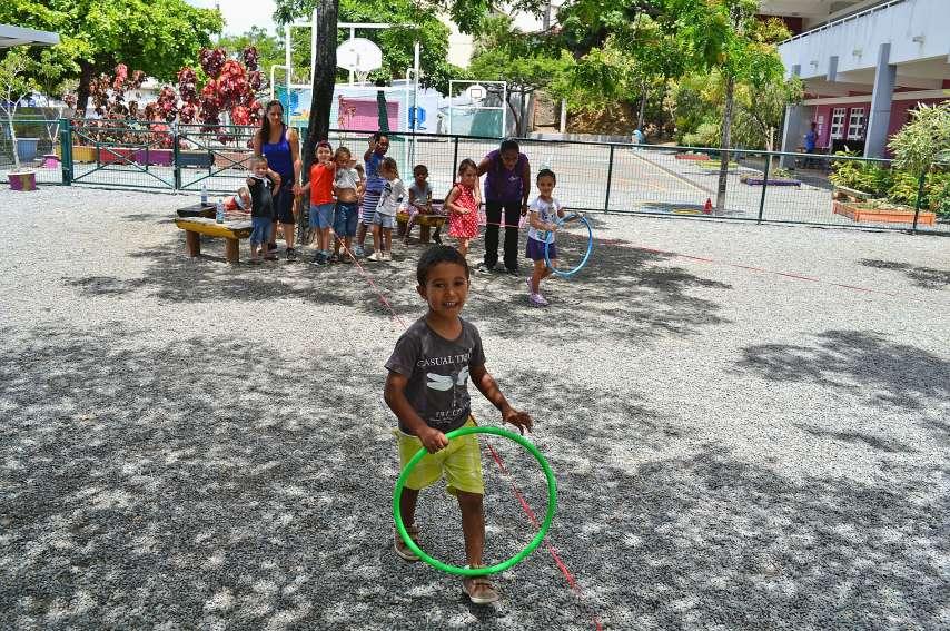 L'association Pasport propose des centres de vacances dans cinq endroits. À l'école les Lys à l'Anse-Vata, à l'école Les Capucines à la Vallée-des-Colons, à l'école Serge-Laigle à Tina, au Tennis club du Receiving, et au camp sous tente Erambere à Dumbéa.