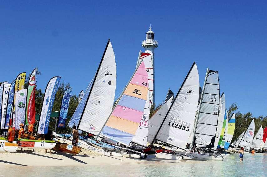 Environ 270 participants prendront la direction du phare Amédée à partir de 6 h du matin dimanche, avant le début de la course à partir de 9 h 30. Photo archives LNC / Titouan Moal
