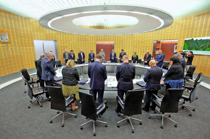 Les membres du gouvernement ont observé lundi une minute de silence à la mémoire des victimes.AFP