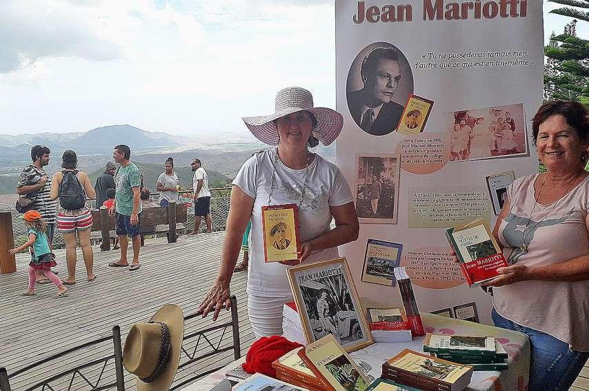 Lors de son tour de côte, l'association a fait un arrêt au marché de Farino. Photo ALSHDE