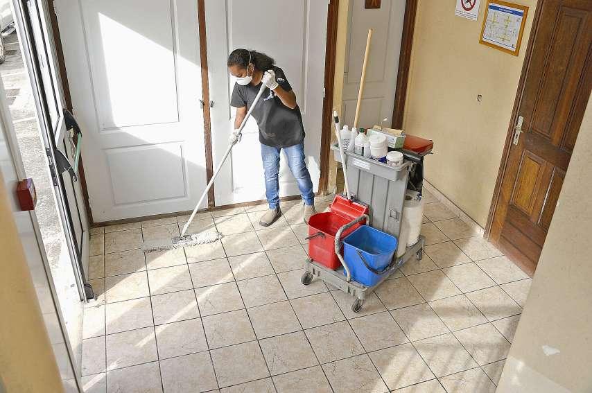 Comme chez l'Éclatante nettoyage, les employés doivent se montrer vigilants. Photo Thierry Perron
