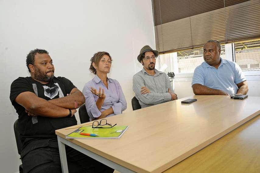 De g. à d. : Evariste Wayaridri (Sacenc), Alexandra Gardner (Poemart), Quentin Retali (Chapitô) et Tim Sameke.Photo Thierry Perron