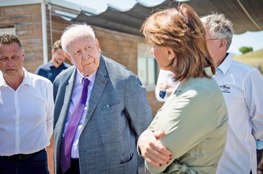 Martine Vassal avec Jean-Claude Gaudin, lors d'une visite de la future base olympique nautique. Photo AFP