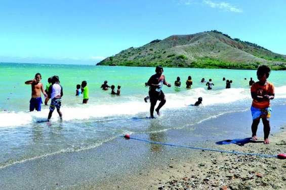 Plus de 200 enfants de la commune sont allés passer la journée baie de Toro