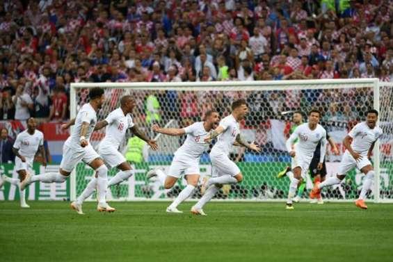 L'Angleterre mène 1 à 0 contre la Croatie à la pause