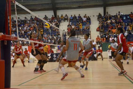 Jeux du Pacifique : les volleyeuses calédoniennes en or