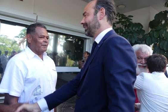 Référendum : l'intrigante visite d'Edouard Philippe en province Nord